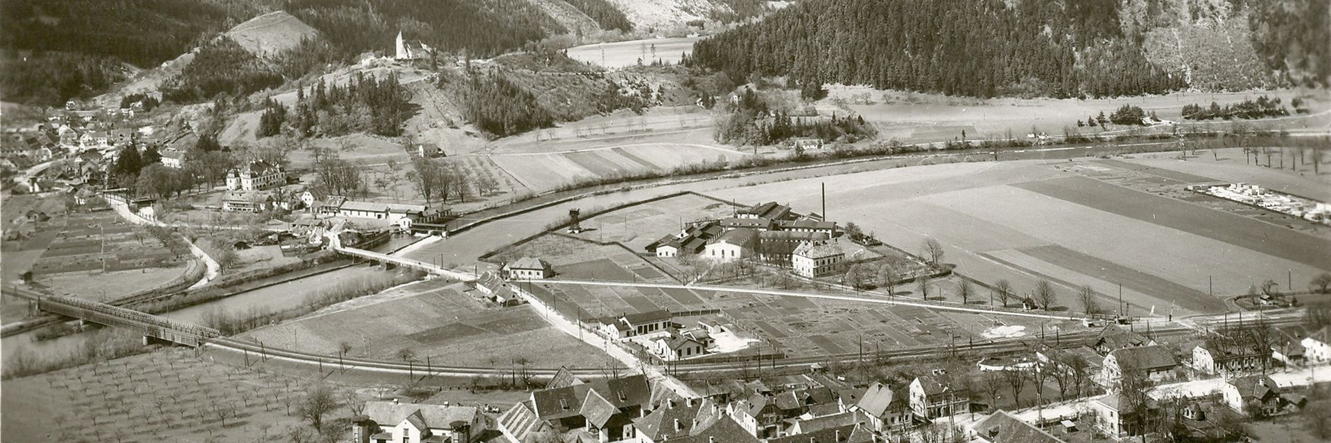 GIPRO insulators in Peggau, historical photo