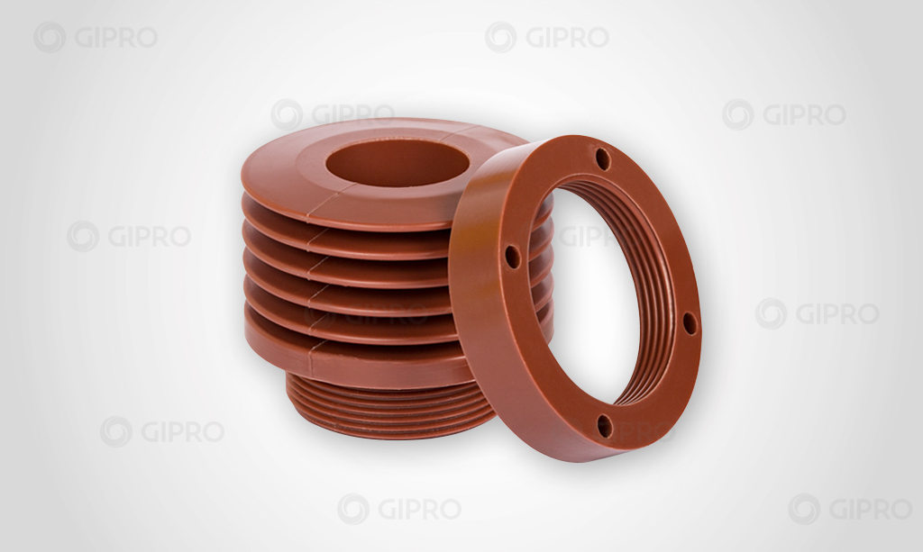 capacitor-bushing with threaded-ring